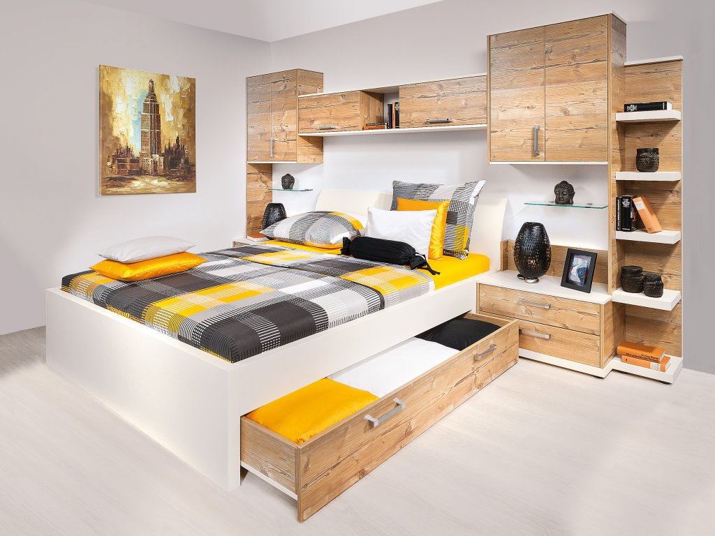 schlafzimmer mit bett berbau. Black Bedroom Furniture Sets. Home Design Ideas