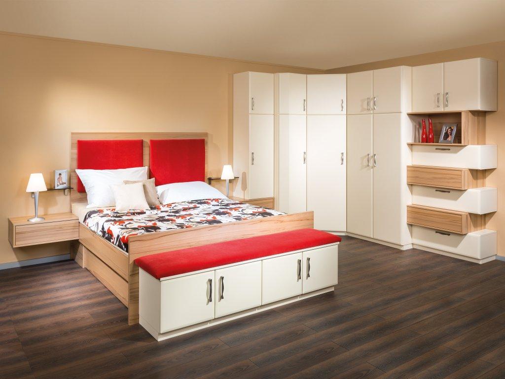 Schlafzimmer Mit Bettüberbau. Wandfarbe Schlafzimmer Dunkle Möbel ...