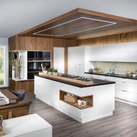 Küchenblock mit Kochinsel