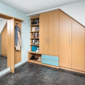 Vorzimmer mit Dachschrägenschrank