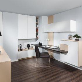Wohnzimmer mit Schreibplatz