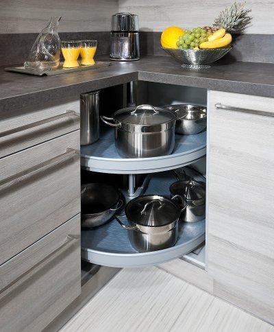 Küchen Eckschrank mit drehbaren Böden