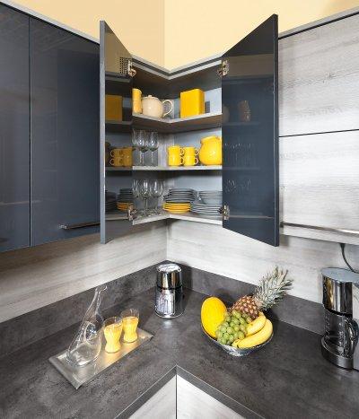 Küchen Hängeeckschrank mit Fächern