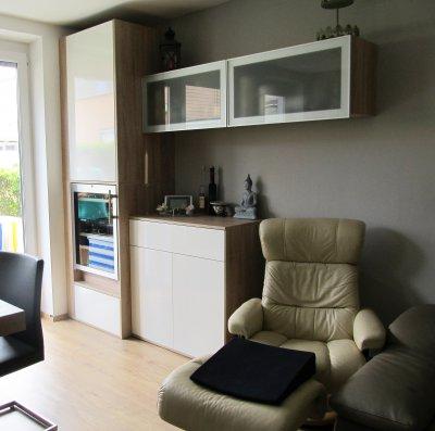 Wohnwand mit Weinkühlschrank
