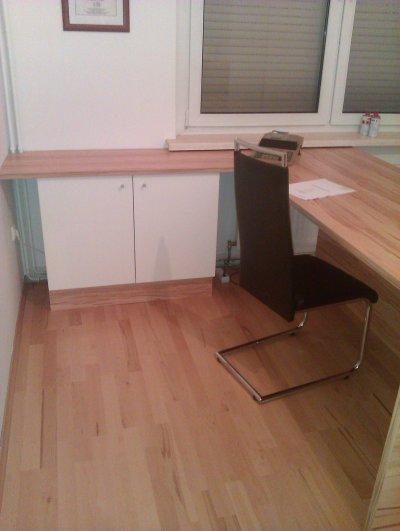 Schreibtischplatte mit Unterschrank