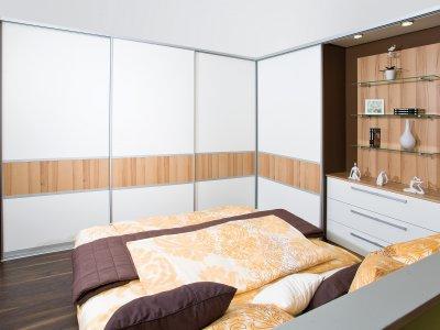 Eckschiebetürkasten mit Indoor-Schiebetürsystem
