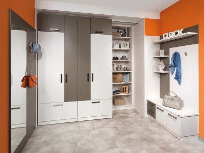 garderobe viel stauraum wohn design. Black Bedroom Furniture Sets. Home Design Ideas