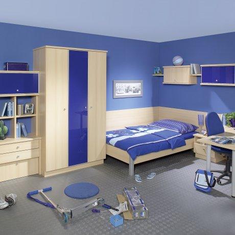 Jugendzimmer mit Wandregal