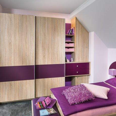 Jugendzimmer mit Schwebetürschrank