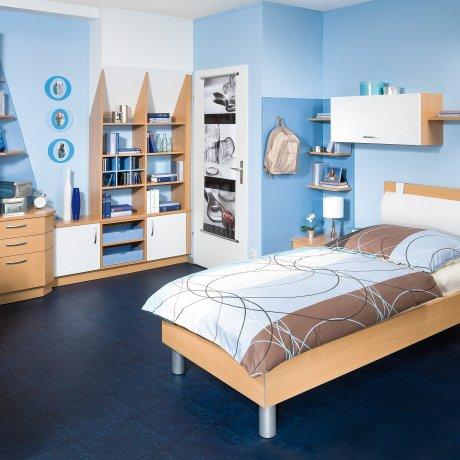 Jugendzimmer mit Dachschrägen Regal