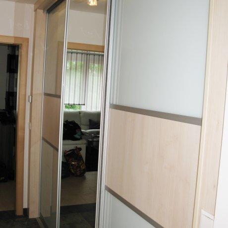 Vorzimmerschrank mit Indoor-Schiebetüren