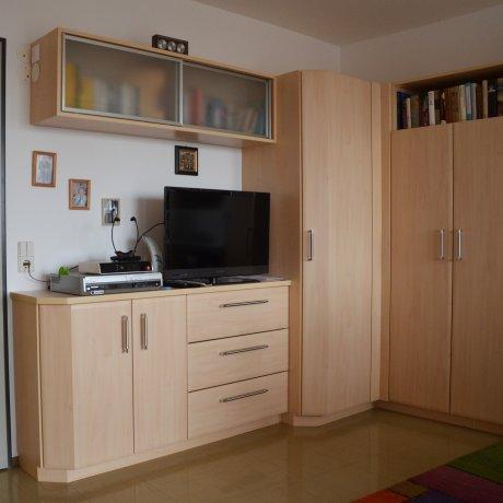 Eck-Wohnzimmerverbau mit Erkertüren