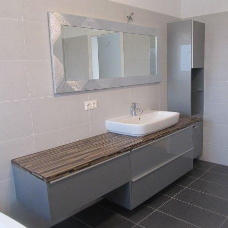 Bad mit Aufsatzwaschbecken