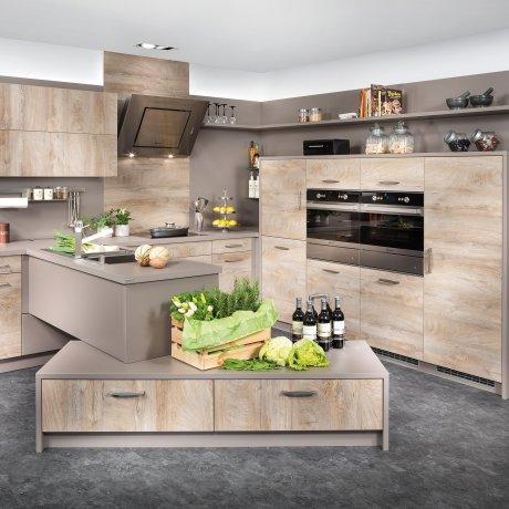 Eckküche mit Raumteiler