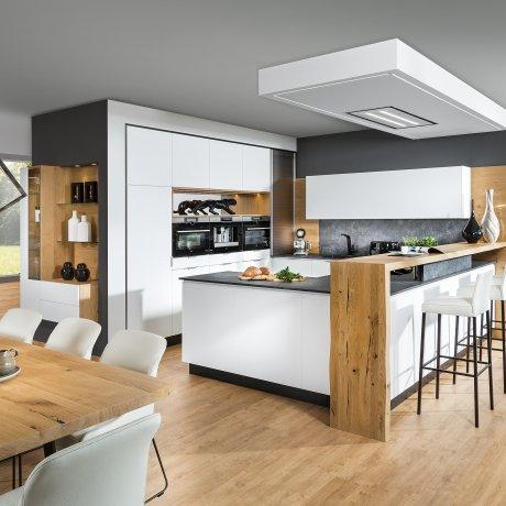 Attractive Küche Mit Raumteiler Und Bar