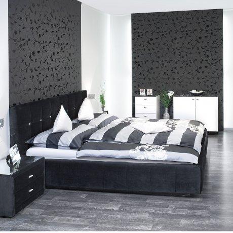 Schlafzimmer mit Polsterbett