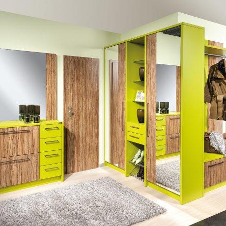 Vorzimmer mit Ecklösung und Schuhkasten