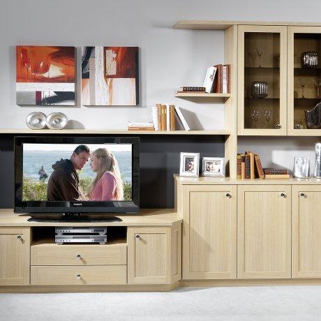 Wohnwand mit TV-Anrichte